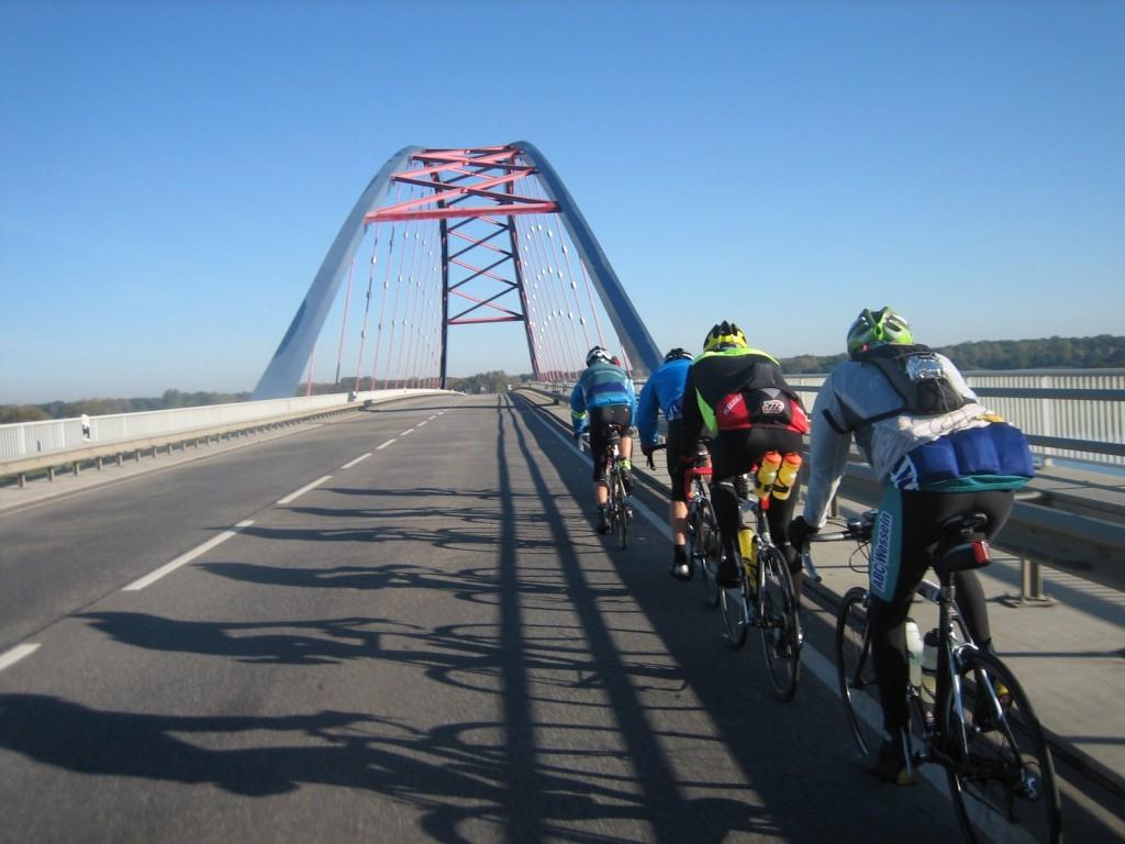 Anfahrt zur Dömitzer Brücke (B191)