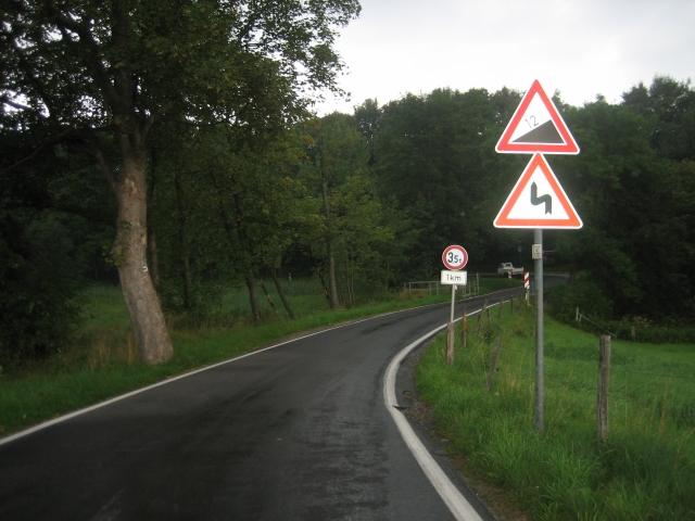 Zum letzten Paß (383 m) über die Mönchswalder Bergkette bei Wilthen in Sachsen.