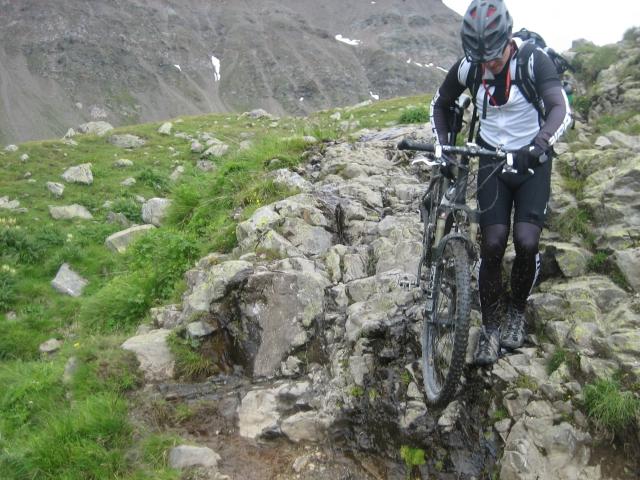 Downhill von der Forcellina di Montozzo: wo ein Wille ist ist auch ein Weg.
