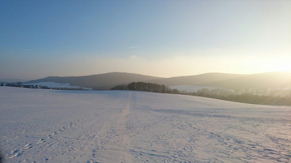 Blick zur Mönchswalder Bergkette von Norden.